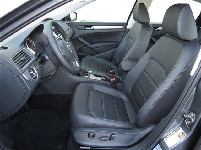 2014 Volkswagen Passat Extenede CAB 4X4