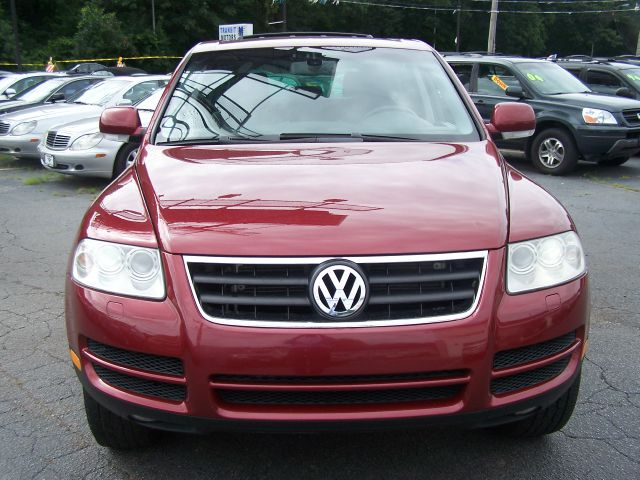 Volkswagen Touareg 2004 Red 2004 Volkswagen Touare...