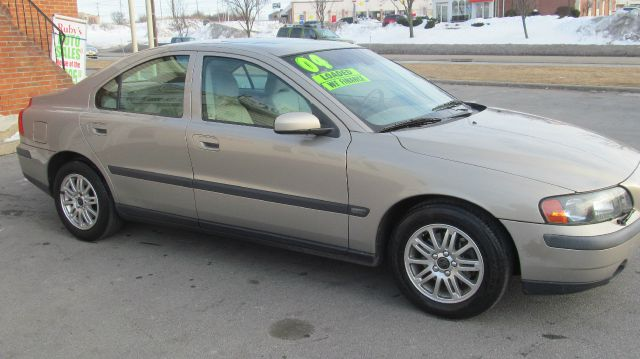 2004 volvo s60 4wd 4dr sport details middletown ny 10940. Black Bedroom Furniture Sets. Home Design Ideas