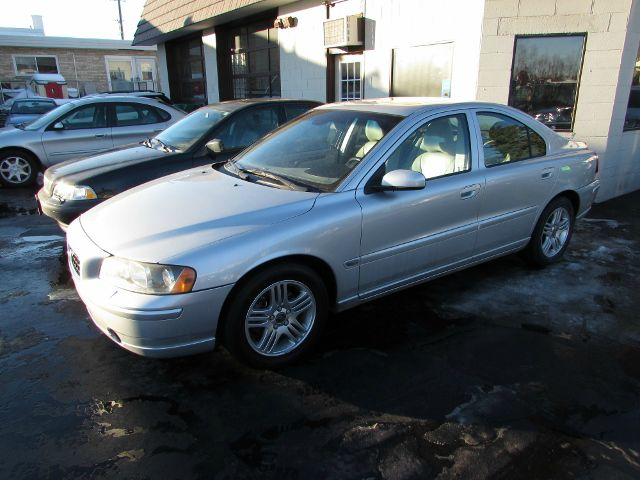 2005 volvo s60 4wd 4dr sport details west allis wi 53214. Black Bedroom Furniture Sets. Home Design Ideas