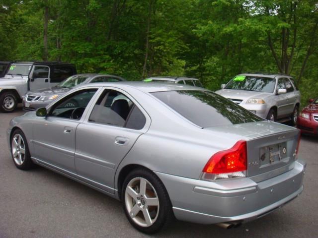 2006 Volvo S60 R Super Dutypowerstroke 4x4