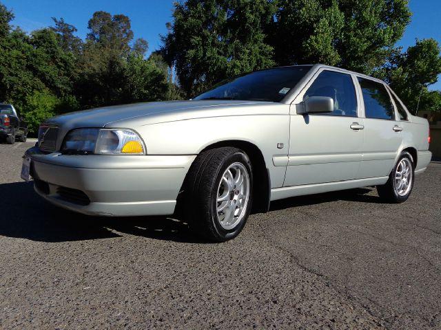 2000 Volvo S70 LS Special Value