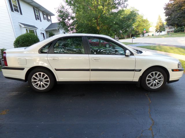 2001 volvo s80 2 9 details round lake heights il 60073. Black Bedroom Furniture Sets. Home Design Ideas