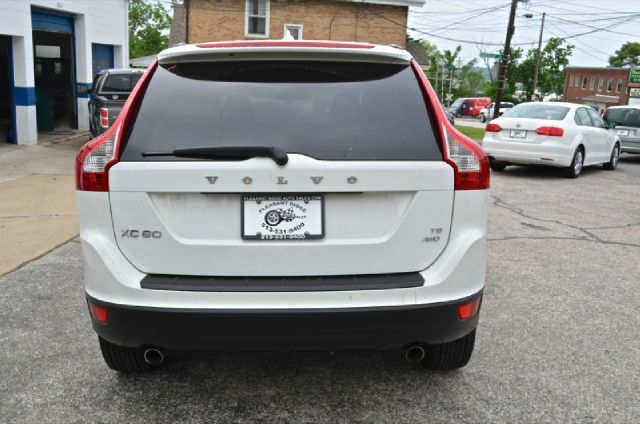 2010 Volvo XC60 LS Flex Fuel 4x4 This Is One Of Our Best Bargains