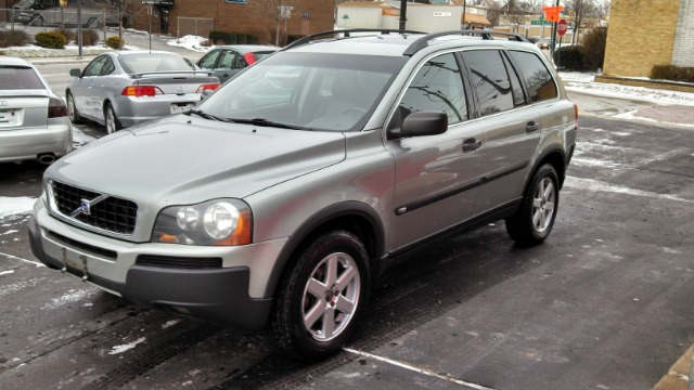 2004 volvo xc90 sport 4x4 suv details akron oh 44301. Black Bedroom Furniture Sets. Home Design Ideas