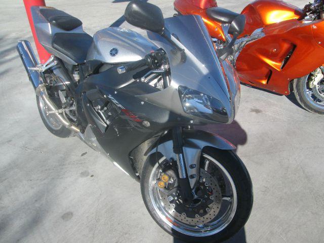 2002 YAMAHA R1 GSX