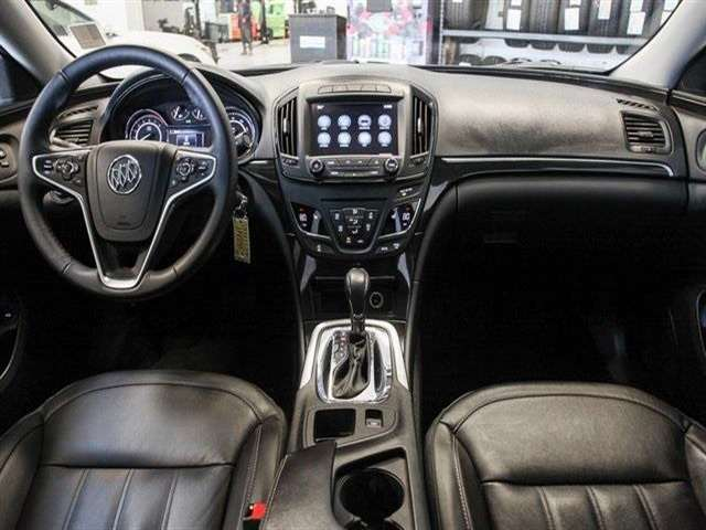 2017 Buick REGAL Sport Touring 4dr Sedan
