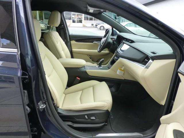 2017 Cadillac XT5 4dr SUV