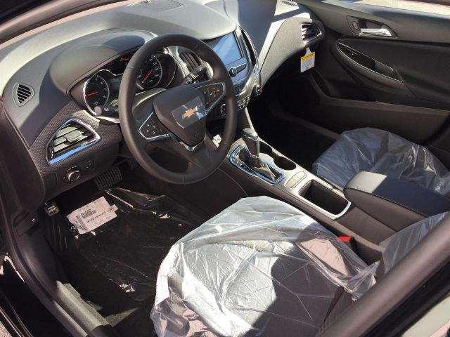 2017 Chevrolet Cruze LT Auto 4dr Sedan w/1SD