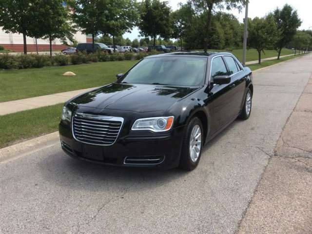 2012 Chrysler 300 4dr Sedan