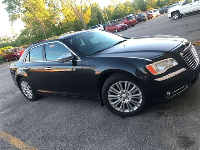 2014 Chrysler 300 AWD C 4dr Sedan