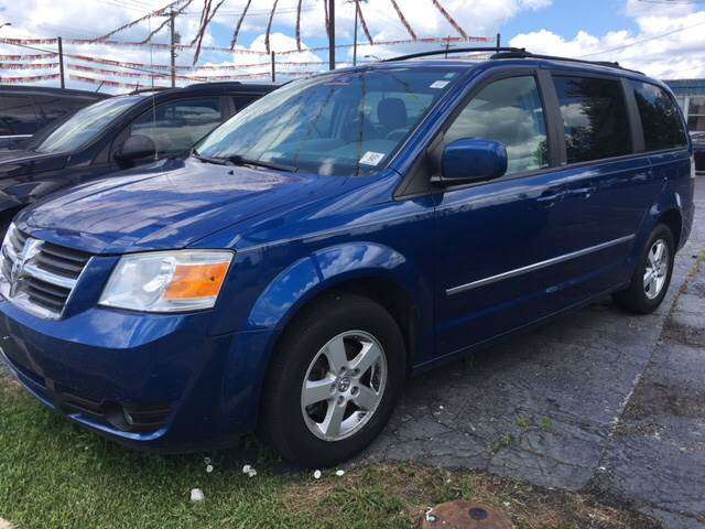 2010 Dodge Grand Caravan SXT 4dr Mini-Van