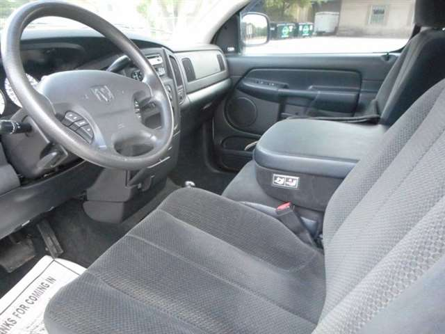 2003 Dodge Ram Pickup 1500 2dr Regular Cab SLT 4WD SB