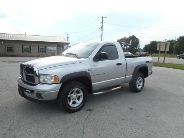 2003 Dodge Ram Pickup 1500 2dr Regular Cab SLT 4WD SB