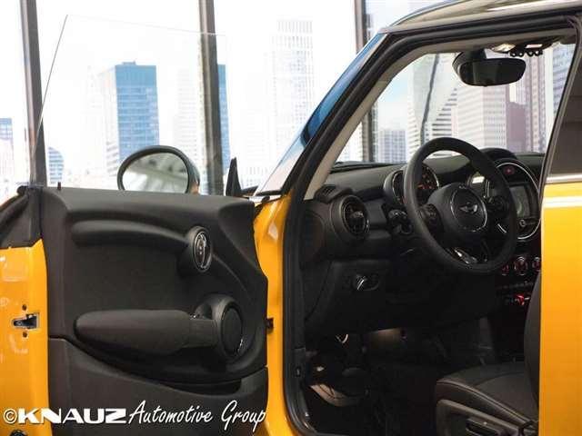 2017 Mini Hardtop Cooper 2dr Hatchback