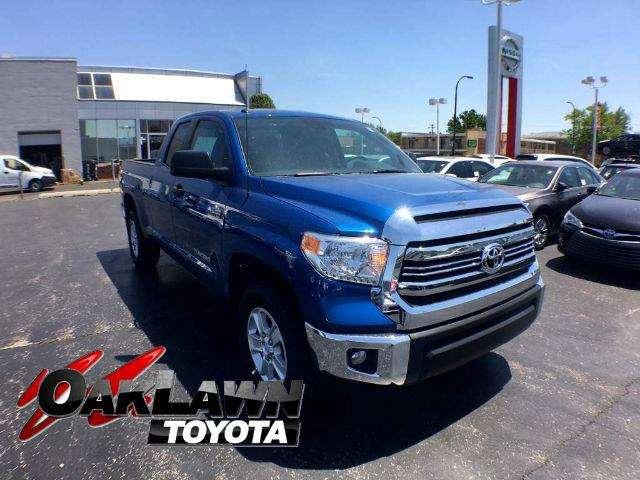 2017 Toyota Tundra SR5 5.7L V8 w/FFV