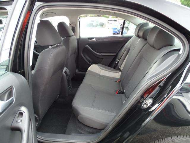 2014 Volkswagen Jetta 4dr Sedan 5M