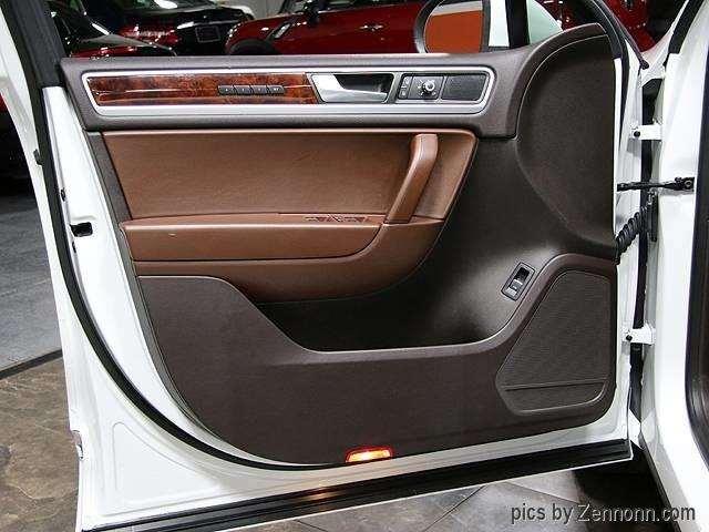 2014 Volkswagen Touareg LUX